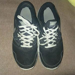 Nike Black Tennis Shoes